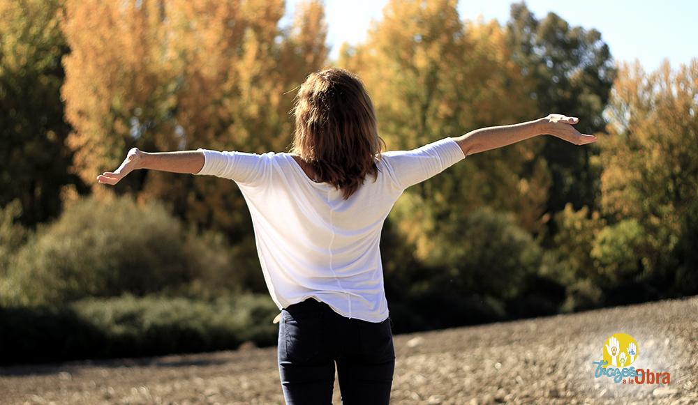 La gratitud forma un sendero llamado felicidad